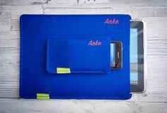 """Danke Anke!"""" 😊 Manche Kundinnen, bekommen einfach nicht genug von den hübschen WildTech Sleeves mit Print. #smartphone #tablet #sleeve #filzhülle #filztasche #wollfilz #filz #handmade #madeingermany"""