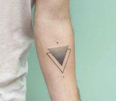 Tatuaje de puntillismo Geometrico triangulo