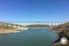 Das Stahlbetonviadukt über den Fluss Almonte stellte das spanische Ingenieurbüro Arenas & Asociados vor große Herausforderungen vom Entwurf bis zur Umsetzung.