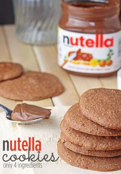 Easy Nutella Cookies Recipe - Only 4 Ingredients via @Nathan Mallonee Mallonee Mallonee Mallonee Mallonee Engels