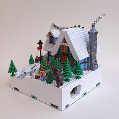 Mod 6 - Winter Cottage right view Christmas Scenery, Lego Christmas, Christmas Town, Christmas Villages, Christmas 2016, Xmas, Lego Winter Village, Lego Village, Lego For Kids