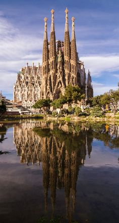 Sagrada Familia, Barcelona, Spain – A large Roman Catholic church in Barcelona, Catalonia, Spain, designed by Catalan architect Antoni Gaudí (1852–1926). Construction began in 1882.