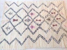 "BENI OURAIN 10'1""x8'Vintage Moroccan Rug. Wool Beni Ourain Carpet. Modern Design. by theboucherouiteshop on Etsy https://www.etsy.com/listing/271534507/beni-ourain-101x8vintage-moroccan-rug"