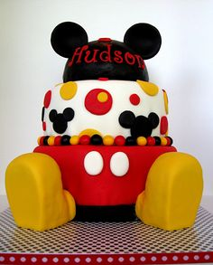 Mickey Mouse The birthday boy's mom found a cake very similar to this and wanted me to duplicate it. The hat and shoes are RKT covered. Minie Mouse Party, Mickey Mouse Birthday Cake, Mickey Mouse Parties, Baby Shower Cakes, Baby Shower Themes, Baby Boy Shower, Mickey Mouse Baby Shower, Baby Mickey, 2nd Birthday