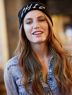 Serenay Sarıkaya (born 1 July 1991 in Ankara, Turkey) is the Miss Turkey… Pretty People, Beautiful People, Beautiful Women, Prettiest Actresses, Beautiful Actresses, Asian Celebrities, Celebs, Hijab Fashionista, Turkish Beauty