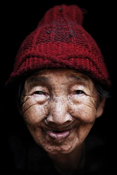 © Kares Le Roy - 56 000 kilometers - Man and a continent Old Faces, Many Faces, We Are The World, People Around The World, Culture Art, Portraits, Before Us, Interesting Faces, Happy People