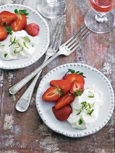 Goat Cheese and Strawberries with Mint-Balsamic Glaze