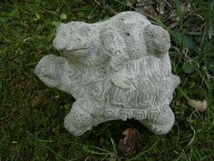 Vintage-Cement-4-Piggyback-Frog-On-Turtle-Pair-Garden-Statue-Weathered-Concrete