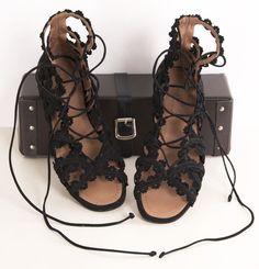 ALAIA FLATS /michelle/ Flynn Coleman-HERS http://pinterest.com/nfordzho/shoes-flats/