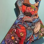 She is home ...oil #handpaintedguitars #tattedguitars #konst Painted Guitars, Guitar Painting, Kos, Tatting, Hand Painted, Hands, Instagram, Bobbin Lace, Needle Tatting