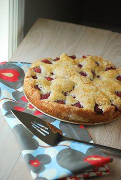 Strawberry Cake (5 of 7)