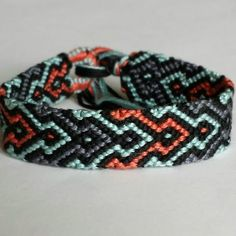 37 Beautiful Threaded Anklet Designs – Love Your Ankle Bracelets With Meaning, Diy Friendship Bracelets Patterns, Anklet Designs, Bracelet Designs, Summer Bracelets, Ankle Bracelets, Embroidery Floss Bracelets, Paracord Bracelets, Wire Bracelets