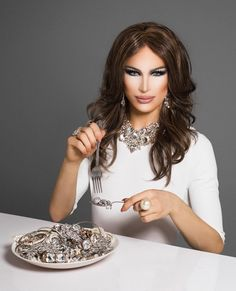 Aquaria as Melania for Snatch Game Drag Me To Hell, Best Drag Queens, Drag Queen Makeup, Transgender Man, Fembois, Queen Fashion, Rupaul Drag, Love Your Hair, Crossdressers