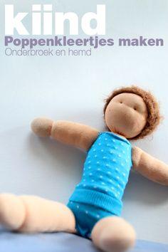 ondergoed voor pop. en een oplossing voor losse sokken...