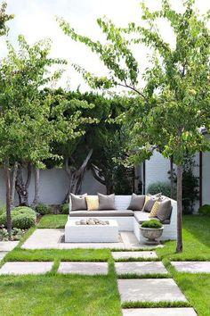 Molly Wood Garden Design, Costa Mesa, CA. Trina… (Georgiana Design) Molly Wood Garden Design, Costa Mesa, CA. Outdoor Fire, Outdoor Seating, Outdoor Spaces, Outdoor Sofa, Outdoor Living, Fireplace Outdoor, Back Gardens, Small Gardens, Outdoor Gardens
