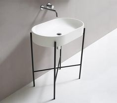 Stand Oval Washstand