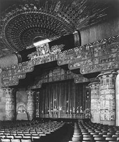 1920s egypt | An early photo of the interior of Grauman's Egyptian Theatre, with ...