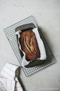 Rye, Peanut Butter + Cacao Nib Banana Bread {vegan}   Veggie num num