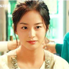Kim Tae Hee Kim Tae Hee And Rain, Korean Beauty, Asian Beauty, Yoo Ah In, Bridal Mask, Korean Actresses, Korean Celebrities, Beautiful Asian Women, Beautiful Actresses