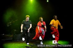 Johnny Clegg at The Forum - London Band Photography Music Icon, Pop Music, Band Photography, Listening To Music, My Passion, Touring, Musicians, Conference Room, Room Ideas