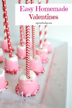 Homemade Valentines - - Looking for an easy and inexpensive valentine idea for your child's class? Check out these Homemade Valentines from My Creative Days. Valentines Treats Easy, Valentines Baking, Valentine Desserts, Homemade Valentines, Valentines Day Treats, Valentine Decorations, Kids Valentines, Valentine Box, Printable Valentine