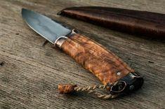 Survival camping tips Cool Knives, Knives And Tools, Knives And Swords, Blacksmithing Knives, Bushcraft Knives, Best Pocket Knife, Knife Handles, Fixed Blade Knife, Custom Knives