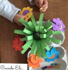 flores y números Ideas Para Organizar, Hug, Animals, Preschool Crafts, Infant Activities, Spring, Flowers, Searching, Animales