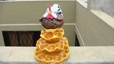 GALLINA NEGRA CON CAFE | CERAMICAS PAOLA Ventas y Cursos 0996048668 Entregamos a domicilio dentro de Quito. Pudding, Eggs, Easter, Flowers, Desserts, Quito, Food, Decorations, Kitchen