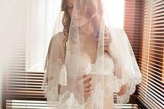 Sensual Bridal Boudoir by #LibertinaFotografie // Featured on #BoudoirCollective