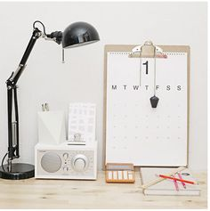 idea for a weekplanner Office Workspace, Office Decor, Home Office, Office Ideas, Organized Office, Office Nook, Office Chic, Desk Ideas, Office Furniture