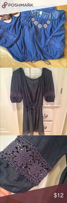 Pretty Denim Dress Lightweight Denim dress with drawstring waist and flower appliqué insert on sleeves and hem. This dress can be worn on or off shoulder. Old Navy Dresses Midi