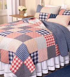 Set a patriotic mood for a bedroom with our Americana Cotton Full/Queen Patchwork Quilt. Patriotic Bedroom, Americana Bedroom, Big Block Quilts, Quilt Block Patterns, Quilt Bedding, Bedding Sets, Bed Cover Design, Bed Sets, Bedroom Bed