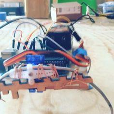Compilación de Fabricación! #arduino #compilation #wincompilation #deaf #servomotors #bug #diy #fablabmaya #fablab #hublab #talleres #shittymachines #degree #leg #nolaser #homemade #sg90 #robotbattle #sensor #lasercutting #3d #makerbot #bluetooth by fablab_maya