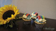 Rainbow cupcakes Rainbow Cupcakes, Cupcake Cakes, Desserts, Van, Food, Tailgate Desserts, Deserts, Eten, Postres