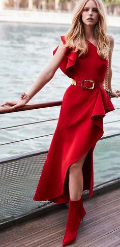 e4a3dd45a785 Elie Saab Resort 2019. Love the dress. Hate the boot. Katarina Petrasova · dlhe  saty