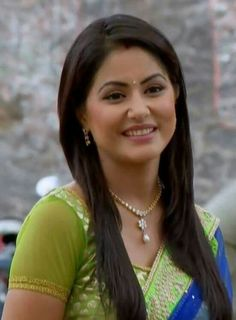 Love you Mom 😍😘❤👌 Indian Tv Actress, Indian Actresses, Most Beautiful Indian Actress, Beautiful Actresses, Kareena Kapoor Wallpapers, Pori Moni, Heena Khan, Samantha Photos, Bollywood Girls