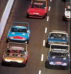 1970 - Bobby Allison (Mario Rossie Dodge), Charlie Glotzbach (Ray Nichels Dodge), Pete Hamilton (Petty Enterprises Plymouth), David Pearon (Holman-Moody Ford), and Buddy Baker (Cotton Owens Dodge.)