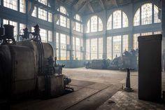 Łódzkie fabryki i elektrociepłownie mogą być magiczne! Fotograf wydobywa ich niepowtarzalne piękno Old Factory, National Geographic, Poland, Teak, Industrial, City, Beautiful, Factories, Dream Houses