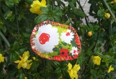 fabric stuffed brooch - vintage floral printed fabric in red green white