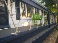 Rope Railing, Deck Railing Design, Patio Railing, Patio Design, Rope Fence, Cottage Porch, Lake Cottage, Cabin Decks, Small Lake Houses