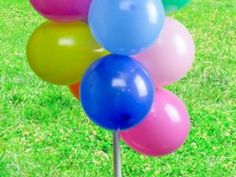How to Make a Balloon Float Without Helium - globos Balloon Topiary, Balloon Arch Diy, Ballon Arch, Balloon Tree, Balloon Stands, Balloon Display, Topiary Trees, Balloon Ideas, Balloon Crafts