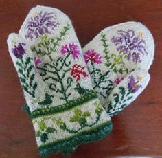 Ravelry: lacesockslupins' 'Traditional Motifs' Mittens / old fashioned garden Crochet Mittens, Mittens Pattern, Knitted Gloves, Floral Gloves, Crochet Cats, Crochet Birds, Crochet Food, Knitted Dolls, Socks