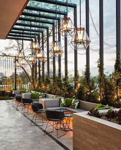 10 Commercial and Outdoor Restaurant Patio Designs That'll Turn Heads (With Pictures) - Pogges