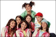#CHIQUITITAS #CHIQUITITAS2006 #CHIQUITITASSINFIN #LALI #LALIESPOSITO #CANDEVETRANO #CANDELAVETRANO #EVADEDOMINICI Cami, Singer, Actresses, Couples, Couple Photos, Artist, Model, Mariana, Brunettes