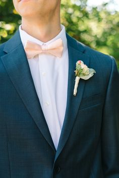 Photography : Michelle Lange Read More on SMP: http://www.stylemepretty.com/new-jersey-weddings/chesterfield-township-new-jersey/2016/02/02/garden-party-inspired-wedding-infused-with-pineapples/