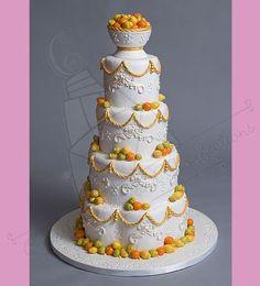 Eco Friendly Gold Green Orange White Yellow Garden Multi-shape Spring Summer Wedding Cake