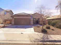 Here's a great 4 bedroom home in Litchfield Park, AZ~