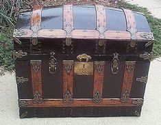 trunk...Not sure why I want one but I really do...probably an extension of my fascination with cool boxes.