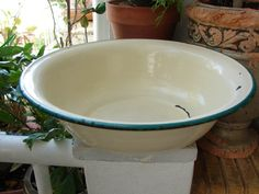 Hey, I found this really awesome Etsy listing at https://www.etsy.com/ca/listing/193106365/1940s-chippy-enamel-bowldish-cream-with