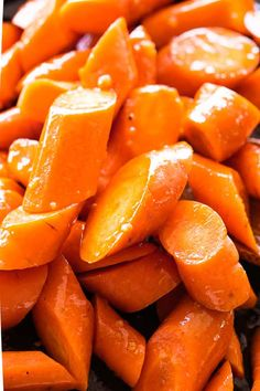 Honey Garlic Butter Roasted Carrots Recipe – Easy, simple, wonderfully delicious roasted carrots prepared with the most incredible garlic butter and sweet honey sauce.Cooked to a delicious and tender perfection, these Honey Garlic Butter Roasted Carr. Easy Carrot Recipes, Vegan Recipes, Cooking Recipes, Cooked Carrots, Vegetable Dishes, Vegetable Recipes, Carrot Casserole, Honey Sauce, Vegane Rezepte